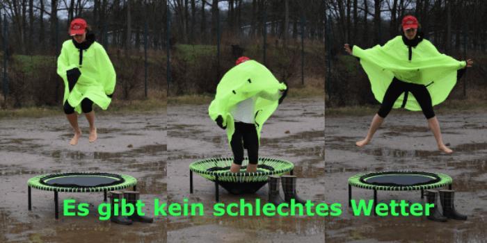 Rebounding Trainerin Sylvia Zukrigl schwingt im Regen auf dem bellicon®